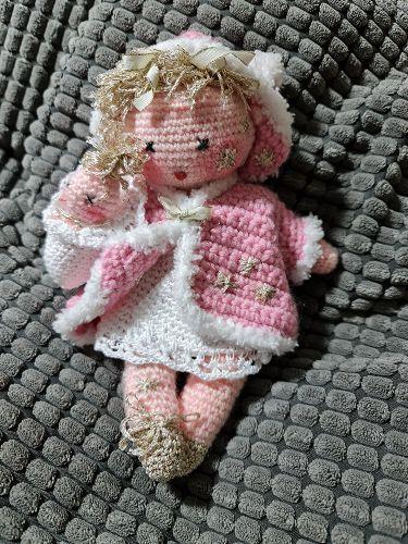 Ručně háčkovaná panenka 02